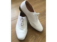 Men's / Mens White Canvas Shoes, size UK 11