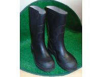 Black wellington boots UK size 1