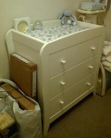 White mamas and papas nursery set