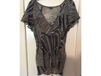 Woman's Ladies SIZE 14 Top