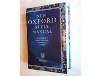 NEW OXFORD STYLE MANUAL - VERY GOOD CONDITION, NEVER BEEN USED