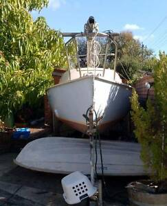 18' (5.4m) Yacht with Mooring in East Fremantle Ferndale Canning Area Preview