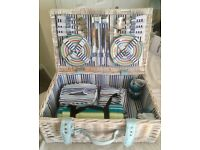 Picnic basket / hamper for sale!