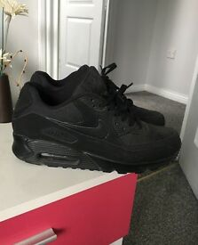 Nike Trainers size 7.5 only worn once as to small