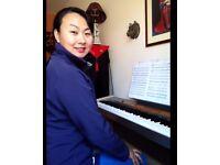 Piano teacher £25/h Broxbourne. Music Teaching Dip., teach up to Grade 8 Piano, Singing and Theory