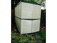 LOCKABLE KETER GARDEN SHED £200 *READY FOR COLLECTION*