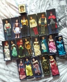 DeAgostini 'The World of Disney Princesses in Porcelain' figures each with magazine