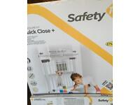 Safety gate for children/pets