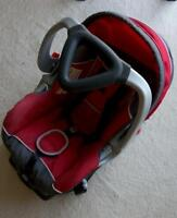 infant car seat and base--baby trend