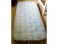 2 X SINGLE MATTRESSES. IDEAL FOR BUNK BEDS. GOOD, CLEAN CONDITION.