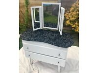 Dressing table vintage style kidney shaped