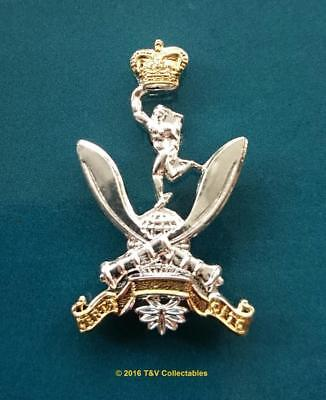 THE QUEEN'S GURKHA SIGNALS CAP BADGE