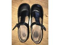Kickers Girls' shoes size 6 in Excellent Condition