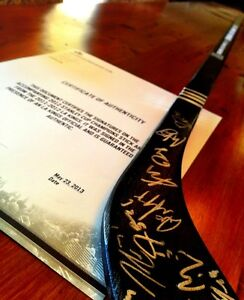 2011-2012-Stanley-Cup-Champions-LA-KINGS-Team-Signed-Stick