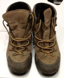 Contour Hydro Ban Walking Boots