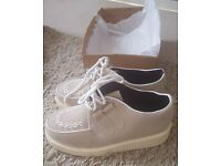 Ladies Nude Suede-Effect Chunky Shoes size 5 – brand new