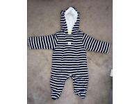 Lovely cotton pram suit from John Lewis. For age 3-6 months.