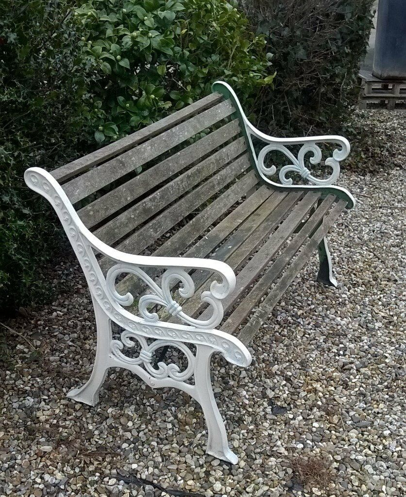 Garden Bench Seat Cast Iron Ends Wooden Slats