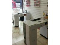 NAIL TABLES and BEAUTY ROOM TO LET