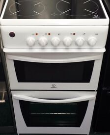 Indesit 50 cm wide electric ceramic cooker in white