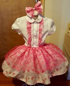 Girls three piece set age 4 to 6 approx homemade