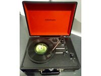BRAND NEW CROSLEY CRUISER TURNTABLE