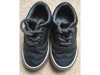 Boys brogue shoes size 4