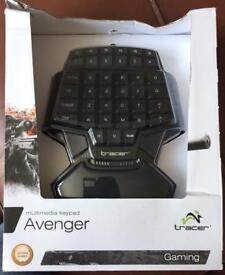 Avenger Gaming Keypad