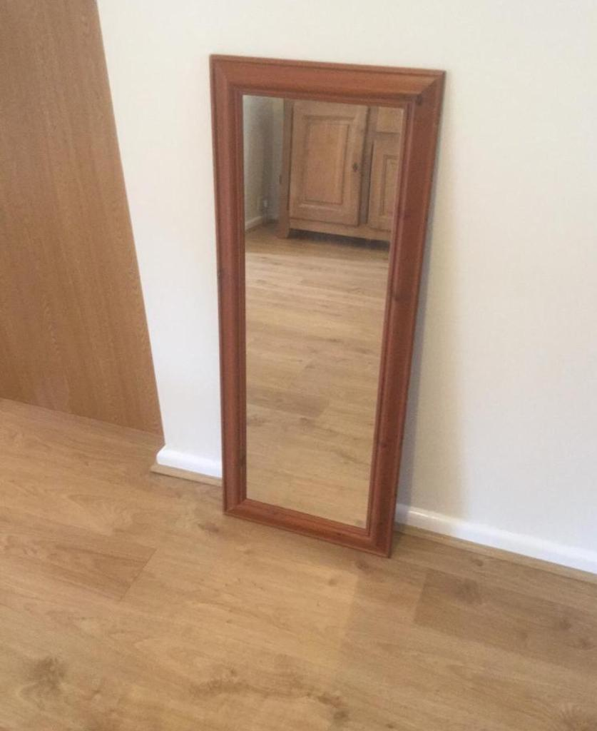 Mirror for salein Welwyn Garden City, HertfordshireGumtree - Approx 3.5 x 1.5 ftPretty good conditionIdeal for bedroom, furnished buy to let etc