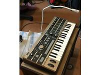Korg microkorg with vocoder and built in condenser mic