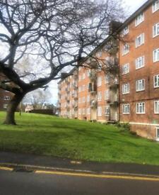 3 bedroom flat in Mullens House, London, SW15