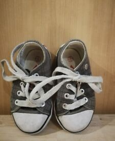 Lee Coper girls trainers - inf size 3