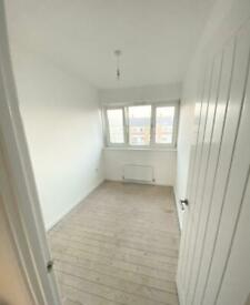 SMALL DOUBLE ROOM RENT IN E1 4ES BETHNAL GREEN WHITECHAPEL ZONE 2