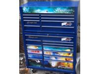 Snap on tool box top and bottom 20 drawers with locks and keys