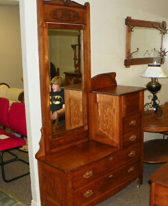 Quartersawn-Oak-Gentlemans-Chest-Dresser-with-Mirror-DR60