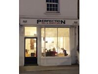 Shop and offices (650 sq ft) to let in centre of Caversham