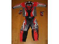 Wulfsport kids motocross kit, 8-11 year old.