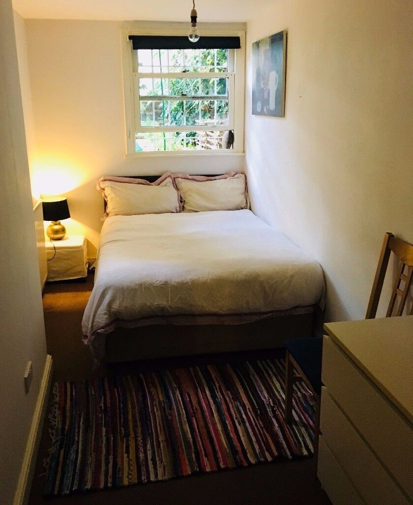 Double Room for Rent - 5 minutes walk