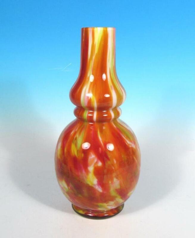 Kralik Bohemian Czech Vintage Spatter Art Deco Glass Cased Vase c. 1930