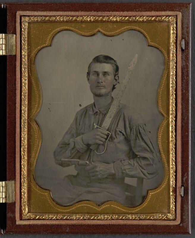 Photo Civil War Confederate 7th Texas Cavalry Regiment Cut Down Saber Revolver