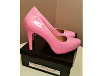 Brand New! Ladies court shoes, baby pink heels. Size 5