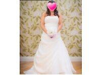 Anna sorrano 1109 sz 18 almost white wedding dress £75