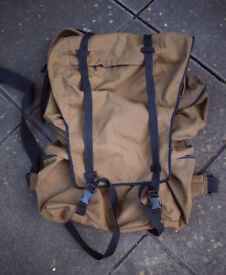 SADF - South African Army Issue M83 Backpack - Rucksack - Bergan (in nutrina brown)