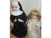 2 Religious praying Porcelain dolls As new Leonardo collection