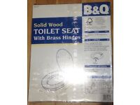 B&Q Mahogany Effect Solid Wood Toilet Seat with Brass Hinges - New, Boxed and Sealed