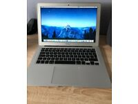 "MacBook Air 13"" 1.4 Intel Core i5 4GB Memory 256GB storage"