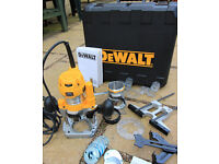 Dewalt D26204K 1/4in Combination Plunge & Fixed Base Router, 240 V, in perfect condition