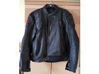 FRANK THOMAS DEFENDER SERIES 2 PIECE MOTORCYCLE LEATHERS PLAIN BLACK/CAN BE ZIPPED TOGETHER