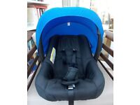 Ickle Bubba Stomp V2 Group 0+ Car Seat – Black with blue hood Plus carry cot and cover and muff