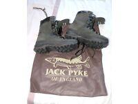 J PYKE COUNTRYMAN BOOTS Size 8 (make offer?)